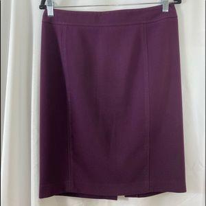 A42.    EUC Loft plum colored pencil skirt, size 8
